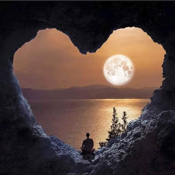 Omaggio alla luna – Poesie, frasi, citazioni, canzoni